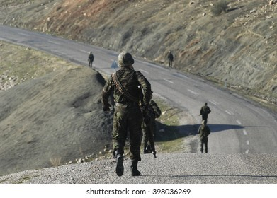 Turkish soldiers are providing border safety. Cizre, Sirnak, 16 March 2010