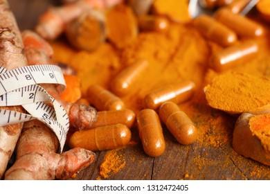 Turmeric capsule with powder