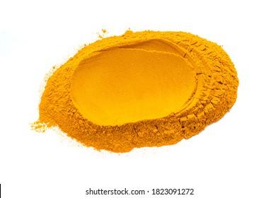 Poudre de curcuma. Turmeric ou Curcuma est l'épice qui donne au curry sa couleur jaune. Il est utilisé en Inde depuis des milliers d'années comme épices et herbes médicinales.