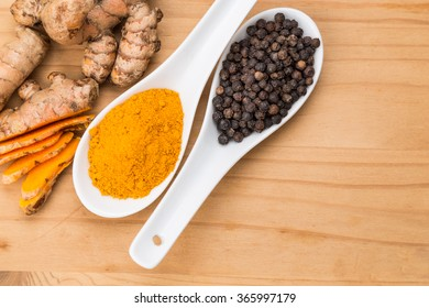 Turmeric roots and black pepper combination enhances bioavailability of cucurmin absorption in body for health benefits