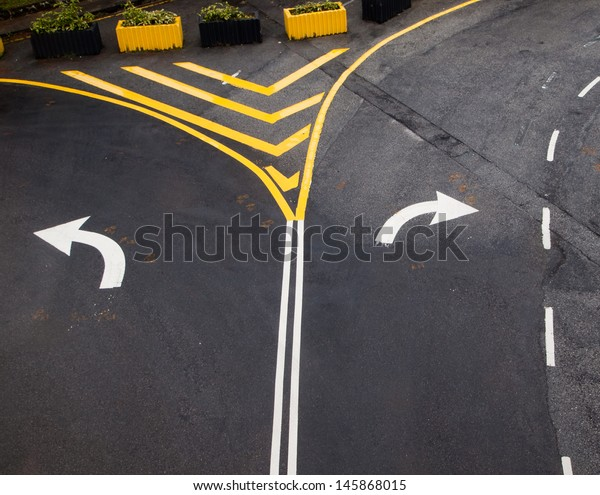 Turn left and right turn driving of traffic signs