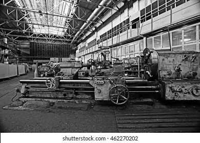 turning equipment machinery factory old