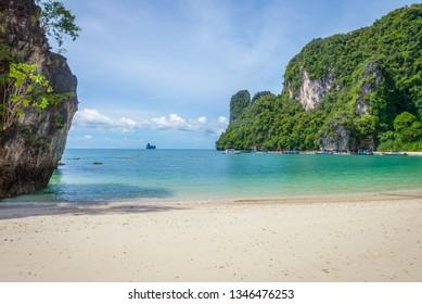 Turquoise bay on Thai island, Krabi