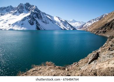 Turquoise lake at Embalse el Yeso