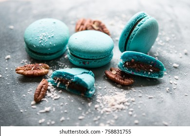 Turquoise macarons with nuts