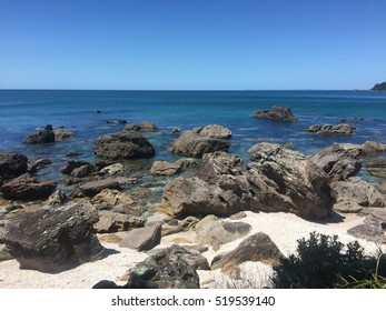 Turquoise water at Main Beach and Mount Maunganui