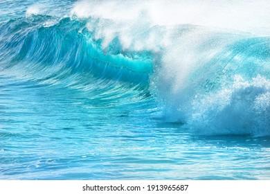 turquoise waves at Sandy Beach, Oahu, Hawaii, USA