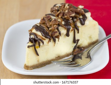 turtle cheesecake slice