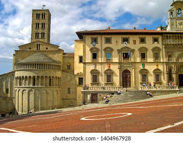Tuscany, Arezzo, stunning Piazza Grande with the Santa Maria della Pieve church and the Palace of the Fraternity of the Laity in the bottom.