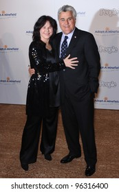 TV chat show host JAY LENO & wife MAVIS at the fifth annual Adopt-A-Minefield Gala in Beverly Hills. November 15, 2005  Beverly Hills, CA.  2005 Paul Smith / Featureflash