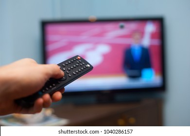 Tv and remote controler