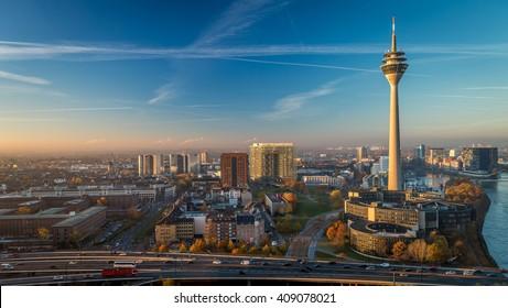Tv Tower Dusseldorf old town, Düsseldorf Fernsehturm,