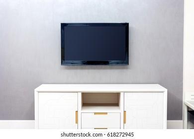 TV, wall