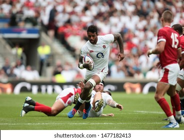 Twickenham, UK. 11th August 2019. Courtney Lawes of England makes a break during the Quilter International match between England and Wales