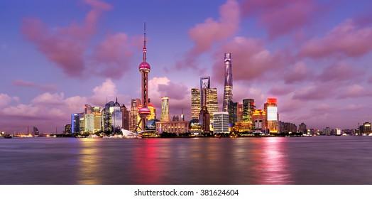 Twilight shot with the Shanghai skyline and the Huangpu river, China