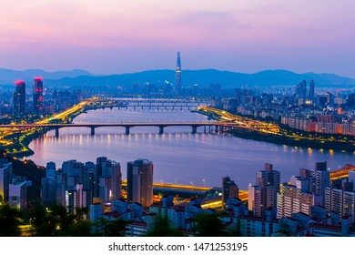 Twilight and traffic of Seoul viewpoint of Hangang river and Lotte tower in Seoul, South Korea