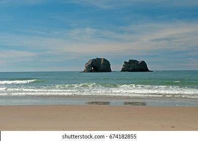 Twin Rocks Beach