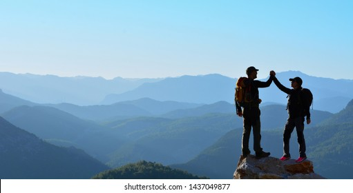 Two Adventurous People Summit Competition