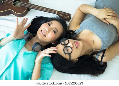 nickson-sexy-around-lesbian-asian-teens-porn-stars