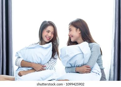 asiatische-lesben-ausbilden-lehre-lil-sis-nackt