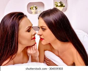 hot lesbian women