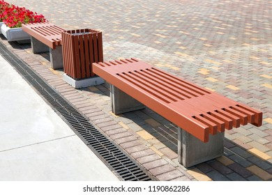 Two benches for rest with urn for litter
