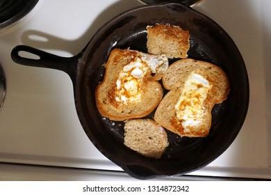 Imágenes, fotos de stock y vectores sobre Eggs Iron Baskets