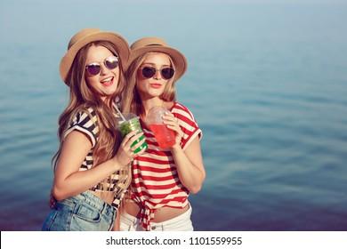 Summer Brielle Tube