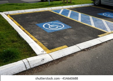 Two free parking for disabled people