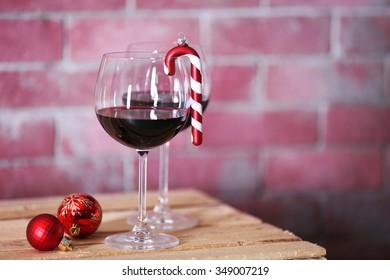 Drunken wine lover Christmas decoration.Red wine,glass /& mini black dress bauble
