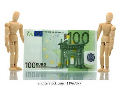 Two manikins holding hundred euro bill
