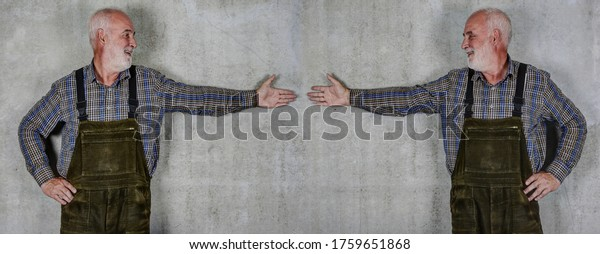 Two men stand with their arms outstretched against a wall and look at each other. However, anyone who violates the appropriate distance in Corna times quickly meets with rejection.