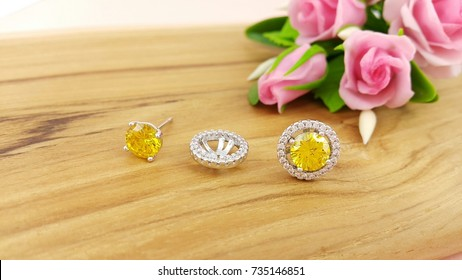 Two in one simple round stud Yellow Earrings Luxury Shiny Jewelry accessories for women or lady