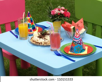 Two set and cake for the children