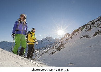 two skiiers before start