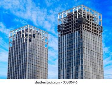 Two skyscrapers under construction