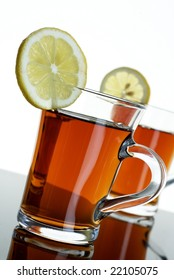 Two teas wit lemons