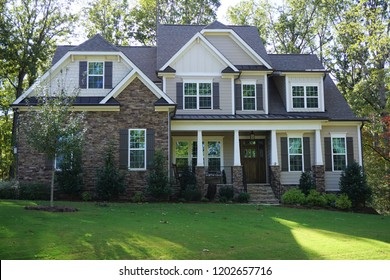 Two-story suburban home in a neighborhood in North Carolina