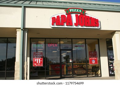 Tyler, TX - January 20, 2012: Papa John's Pizza franchise located on South Broadway in Tyler, TX