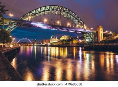 The Tyne Bridge over the river Tyne in Newcastle, GATESHEAD at night , ENGLAND