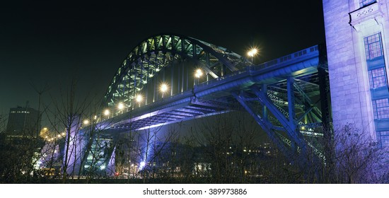 The Tyne Bridge spanning the river between Newcastle upon Tyne and Gateshead in the North East of England.