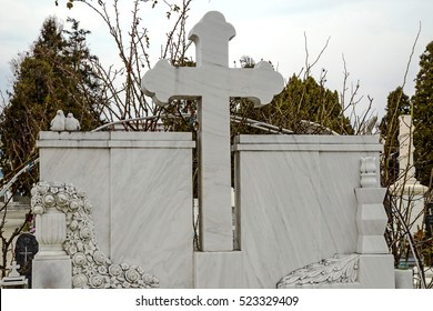 Type of funeral cross in a joint Orthodox and Catholic cemetery.