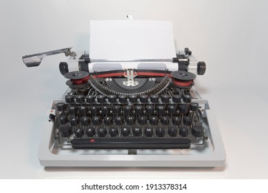 Typewriter 70s with red printed ribbon without top cover
