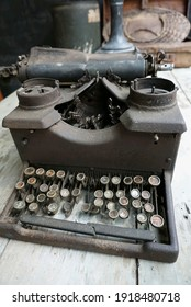 typewriters antique for ancient writers