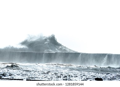 Typhoon wave Yakushima