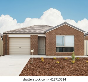Haus Fassade Renovieren Images Stock Photos Vectors Shutterstock
