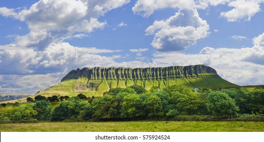 """Typical Irish landscape with the Ben Bulben mountain called """"table mountain"""" for its particular shape (County of Sligo - Ireland)"""