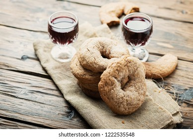 Typical Italian cookies «ciambelline al vino rosso», selective focus