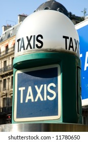 Typical Parisian taxi stop