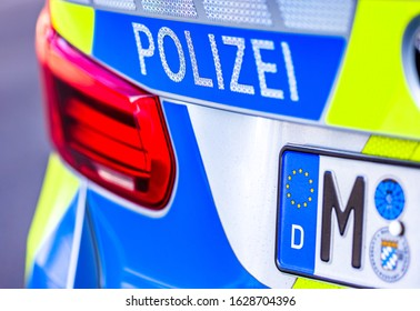 typical police vehicle in germany - translation: police